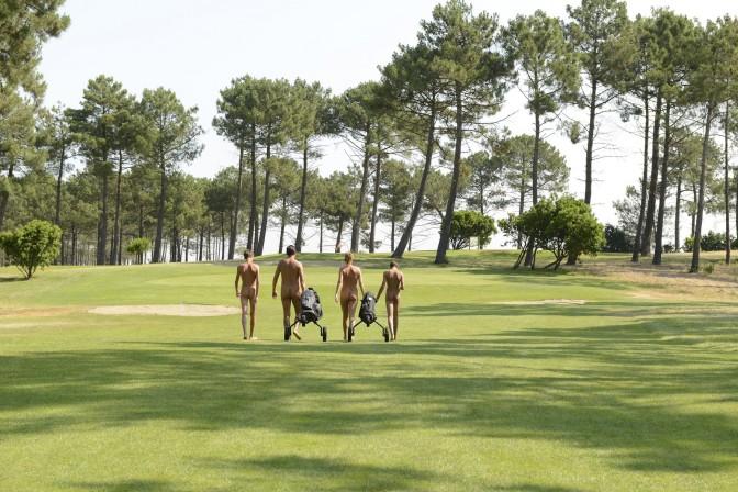 São Paulo tem primeiro campo de golfe para nudistas
