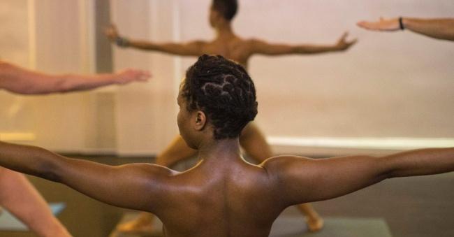Yoga a nu em Nova York