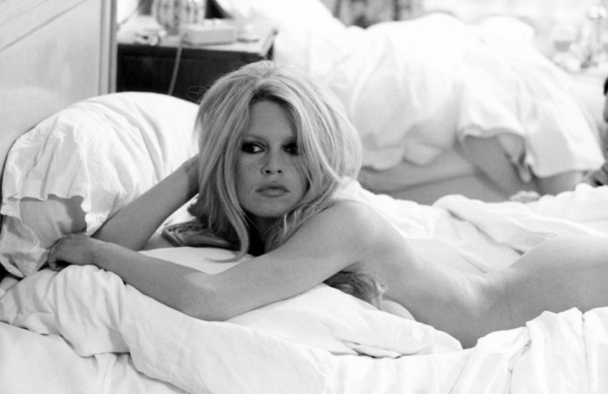E Deus criou Brigitte Bardot, símbolo da beleza e feminilidade faz 80 anos