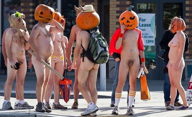 Naturistas em tempo de Halloween