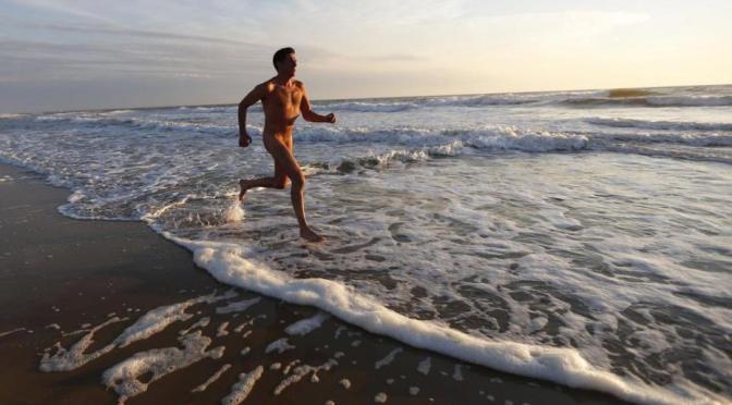 Veja 10 razões para você ir a uma praia naturista, pelo menos por uma vez