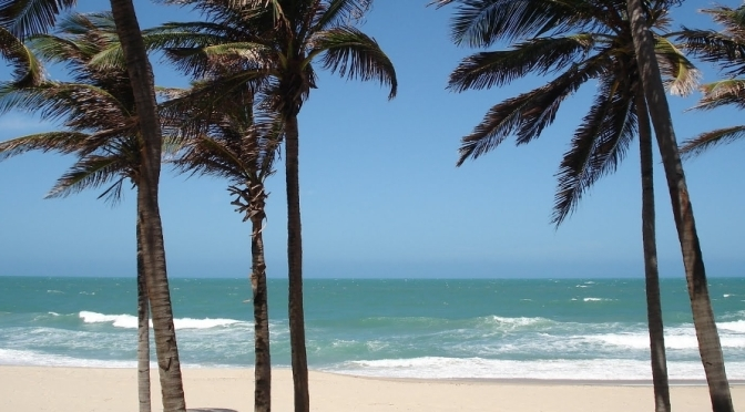 Veja 8 praias naturistas incríveis para você festejar o reveillon