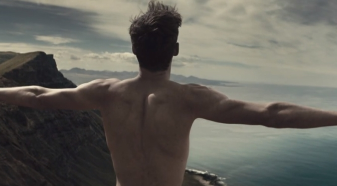 Agencia de publicidade Saatchi & Saatchi produz filme com nudez para o dia mundial das doenças raras