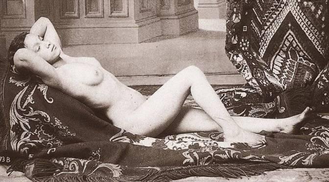 Livro 1000 Nudes apresenta os primórdios da nudez na fotografia