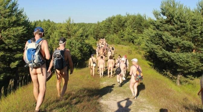 A incrível trilha naturista na Alemanha