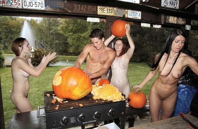 Os naturistas celebram a chegada do halloween
