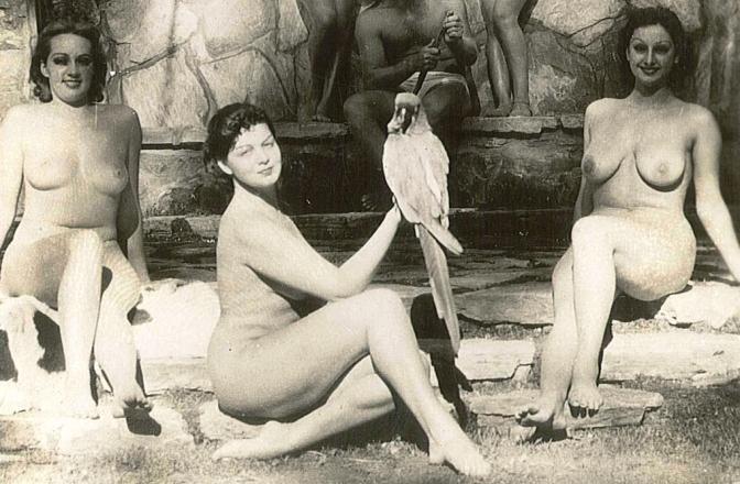 Conheça a verdadeira história da colônia nudista de Zoro Gardens